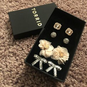 Pretty Blush Earrings Set Torrid Brand New in Box
